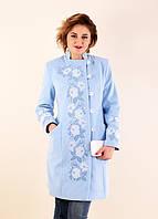 Очаровательное кашемировое пальто весеннее в нежно-голубом цвете с вышивкой