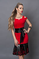 Платье по фигуре,декор.перфорированной кожей, р. 40 красное