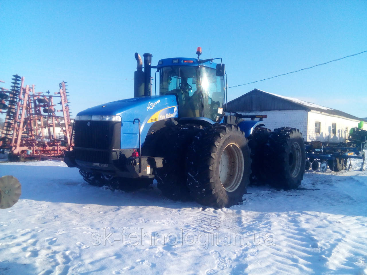 Трактор New Holland T9050