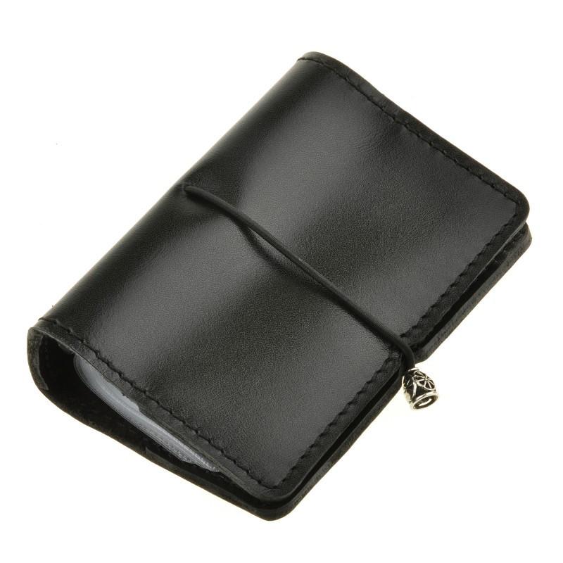 Чорний кард-кейс з пластиковими кишенями