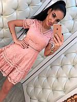 Красивое женское кружевное платье