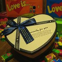 В подарочной коробке