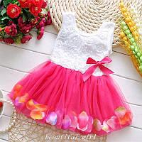 Платье детское с лепестками малиновое