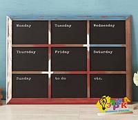Меловая доска в раме календарь