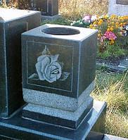 Декоративная ваза из гранита