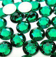 Стразы Swarovski Emerald SS3