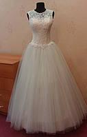 Свадебное платье-маечка с ручной вышивкой и кружевом цвета ivory, размер 44-48 (б/у)
