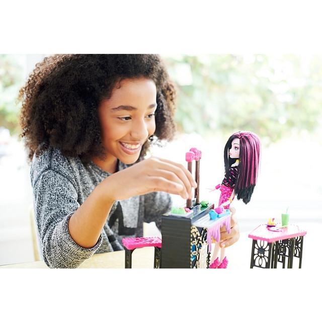 Кукла Дракулаура кафе Monster High Beast Bites Cafe Draculaura DNP33