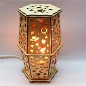 Соляной светильник из дерева