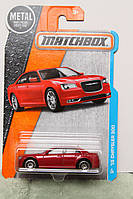 2016 Matchbox '15 Chrysler 300 in Red 4/125 Mint Condition (США)