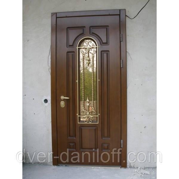 Двери входные со стеклопакетом и ковкой