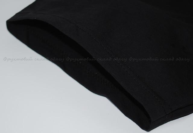 Чёрная мужская футболка с V-вырезом