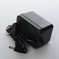 Зарядное устройство 12V 700mAh круглый штекер для мотоцикла M3208, М 3273