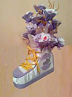 Букет из конфет на подарок мужчине ручной работы Волшебный кроссовок