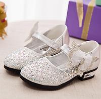 Шкіряні, нарядні туфельки для дівчаток