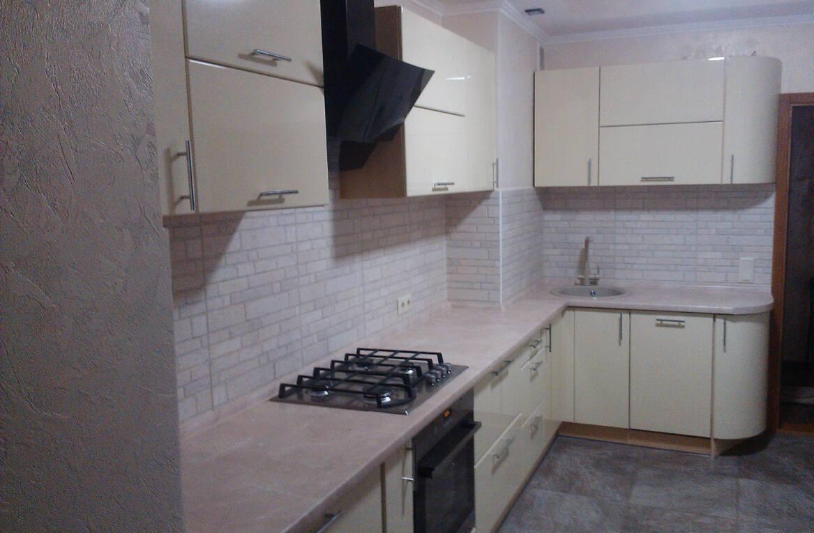 Кухни встроенные с крашенными фасадами от ведущих производителей - GreenSofa в Одессе