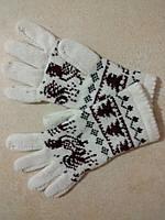 Женские теплые шерстяные перчатки новогодние р. S, белые