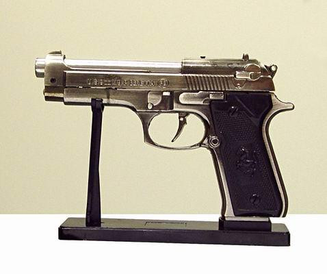 фото зажигалка пистолет