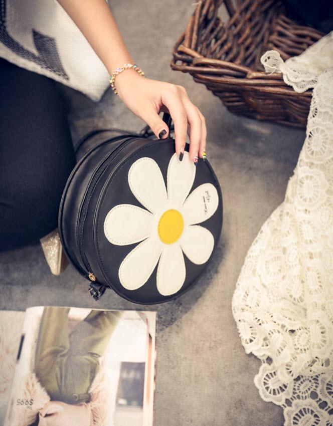 Милые круглые сумки с узором в ромашку