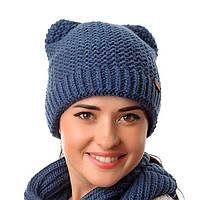 Женская вязаная спицами зимняя шапка - кошка.