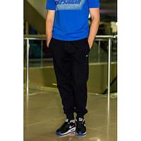 Мужские трикотажные спортивные штаны черные