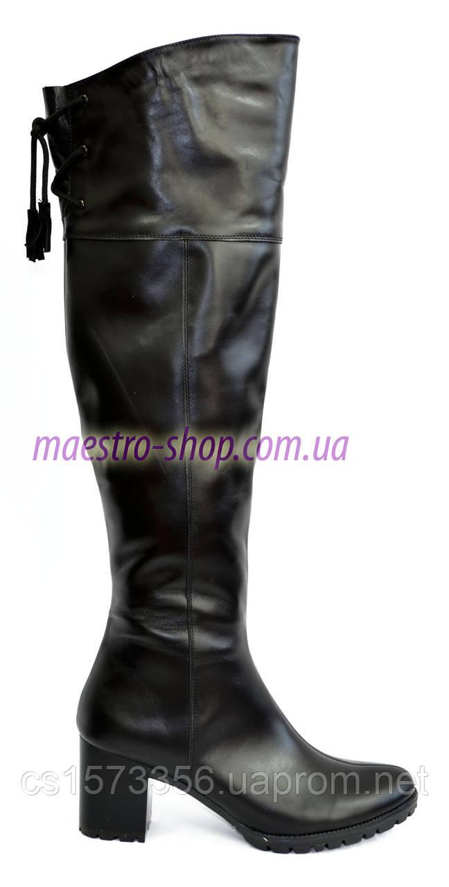 Черные кожаные ботфорты на устойчивом  каблуке демисезонные