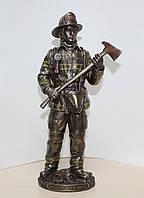 Коллекционная статуэтка Veronese Пожарный 76822A4