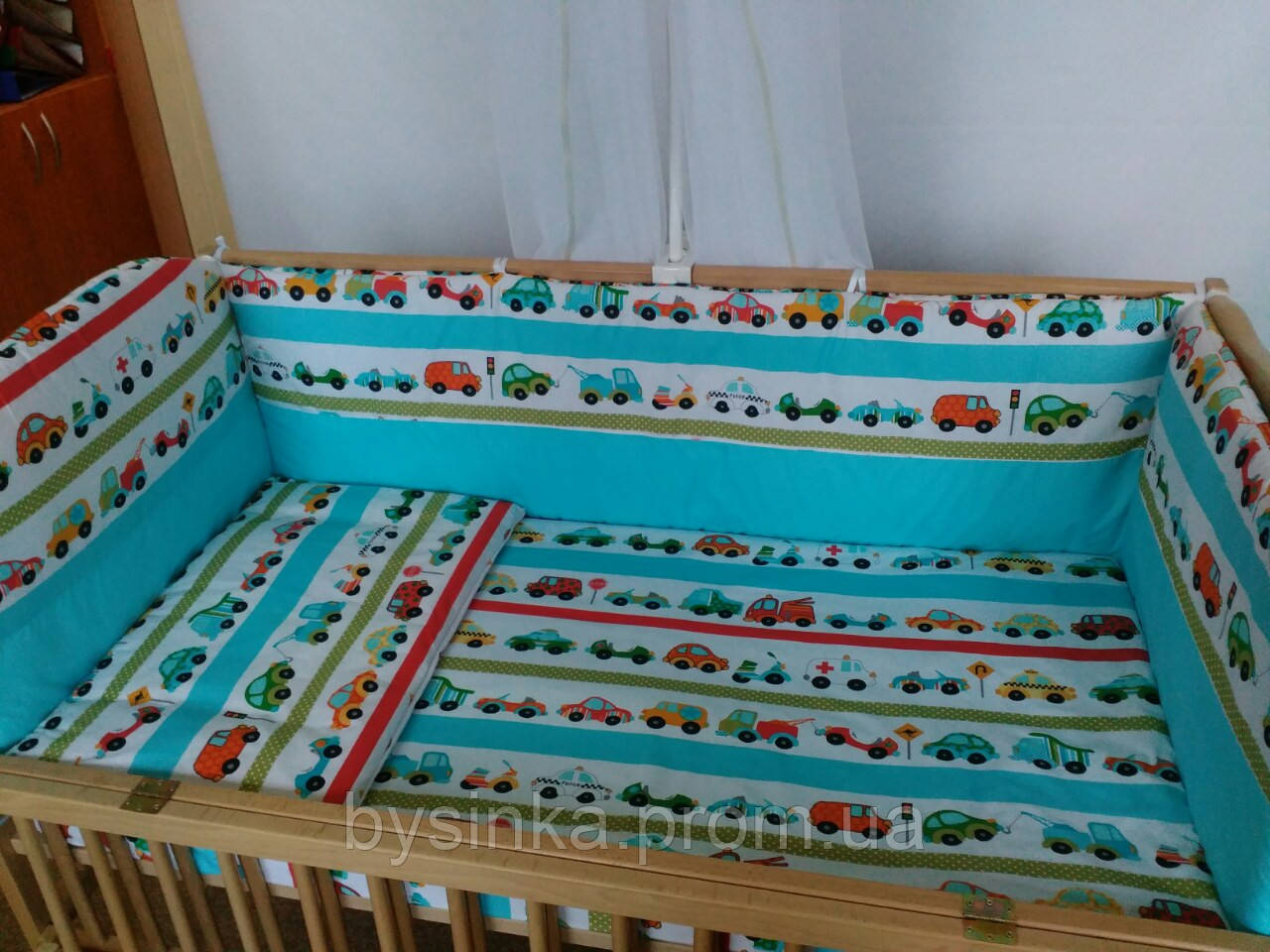 """Защита в кроватку (35 см) со съёмными чехлами (на молнии) на  все стороны детской кровати- """"Машинки"""""""