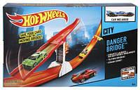 Набор Hot Wheels Опасный мост, Danger bridge Хот вилс, CDJ53