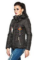 Весенняя женская куртка черная