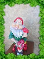 Садовая фигурка Гном с грибочками в зелёном 40см