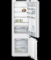 Встраиваемый холодильник с морозильником Siemens KI87SKF31