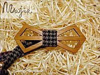 Деревянная бабочка Ретро резная разноцветная гусья лапка