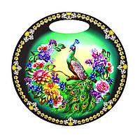 """Кухонная круглая доска """"Павлин в цветах: Черно - зеленый фон"""""""