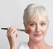 Возможно, ли при помощи макияжа выглядеть намного моложе?