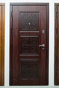 Дверь входная, Акцент - С
