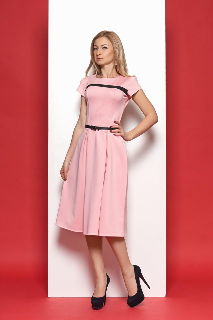 Летнее трикотажное платье миди розового цвета