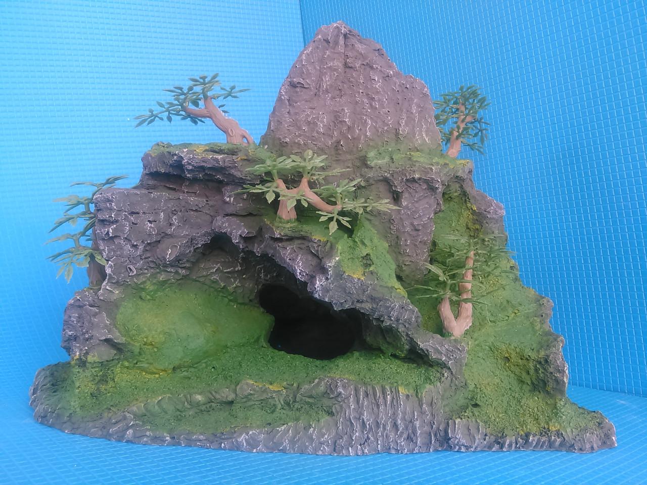 Скала полая с деревцами QD--011