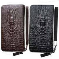 Стильный кожаный клатч Lacoste