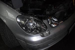 Установка биксеноновых линз G5 с ребристыми масками с глазами на Lexus GS300 3