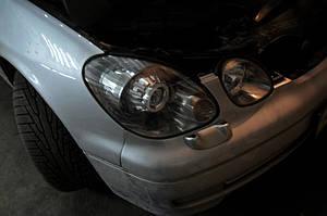 Установка биксеноновых линз G5 с ребристыми масками с глазами на Lexus GS300 4