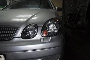 Установка биксеноновых линз G5 с ребристыми масками с глазами на Lexus GS300 5