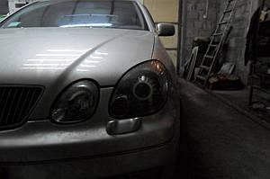 Установка биксеноновых линз G5 с ребристыми масками с глазами на Lexus GS300 6