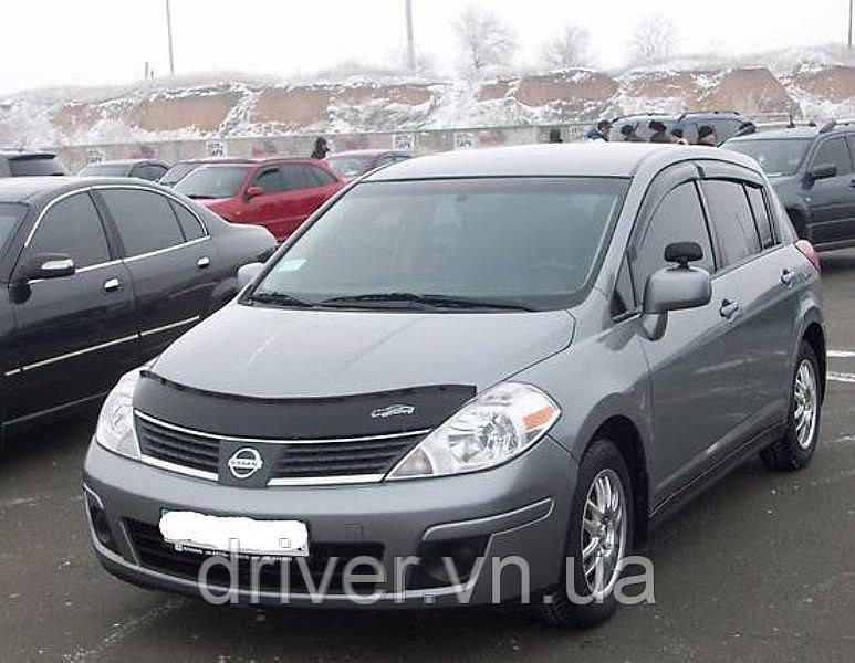 Дефлектор капота (мухобойка)  Nissan Tiida 2004-2015