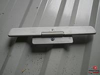 Крепление солнцезащитного козырька VAG 3B0 858 555 D на Volkswagen Passat B5 1.8 turbo AWT 2001-2005 г.