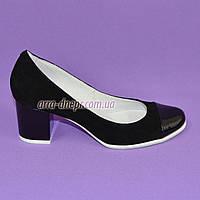 Женские черные туфли на невысоком устойчивом каблуке