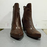 Сапоги женские короткие  кожаные  демисезонные коричневые BL