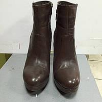 Ботильоны женские демисезонные коричневые на высоком каблуке и платформе Sisley