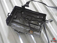 Ниша подиум под акумулятор на Fiat Doblо Фиат Добло