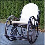 Плетене крісло-гойдалка з ротангу з підніжкою, фото 2